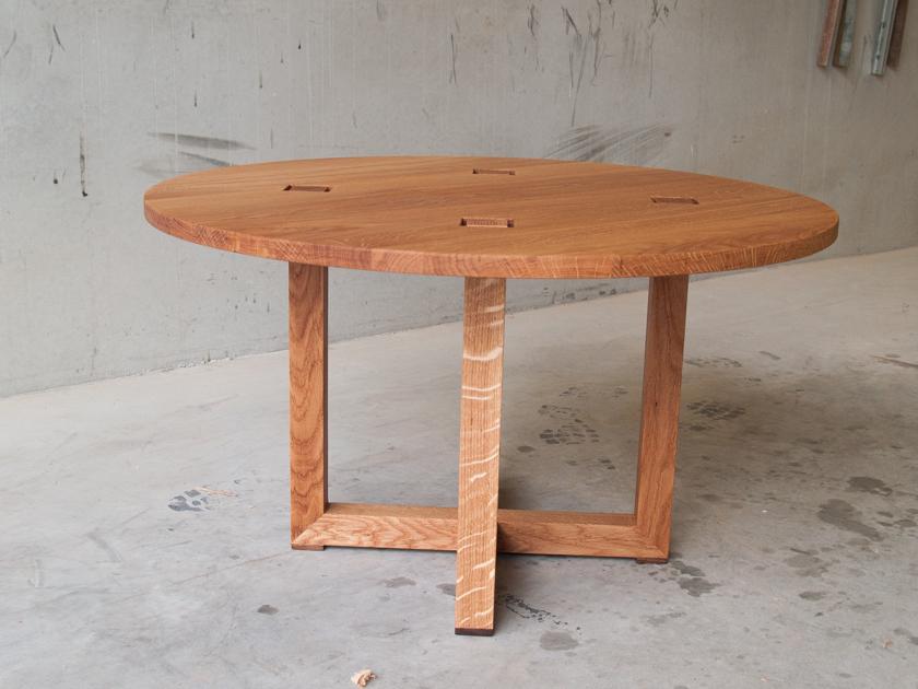 Ronde-salontafel-eikenhout
