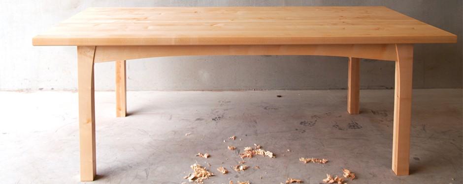 Esdoorn houten tafel   massief esdoornhouten eetkamertafel