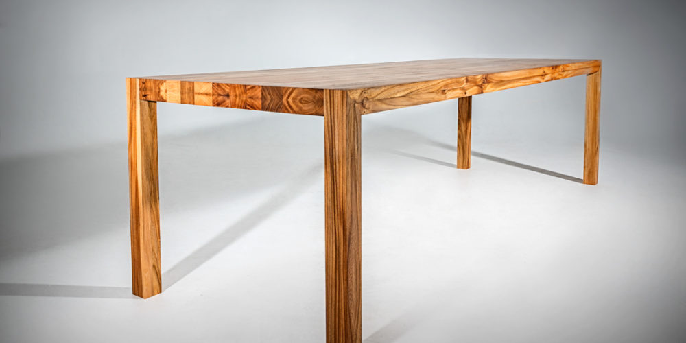 Eetkamertafel-massief-iepenhout