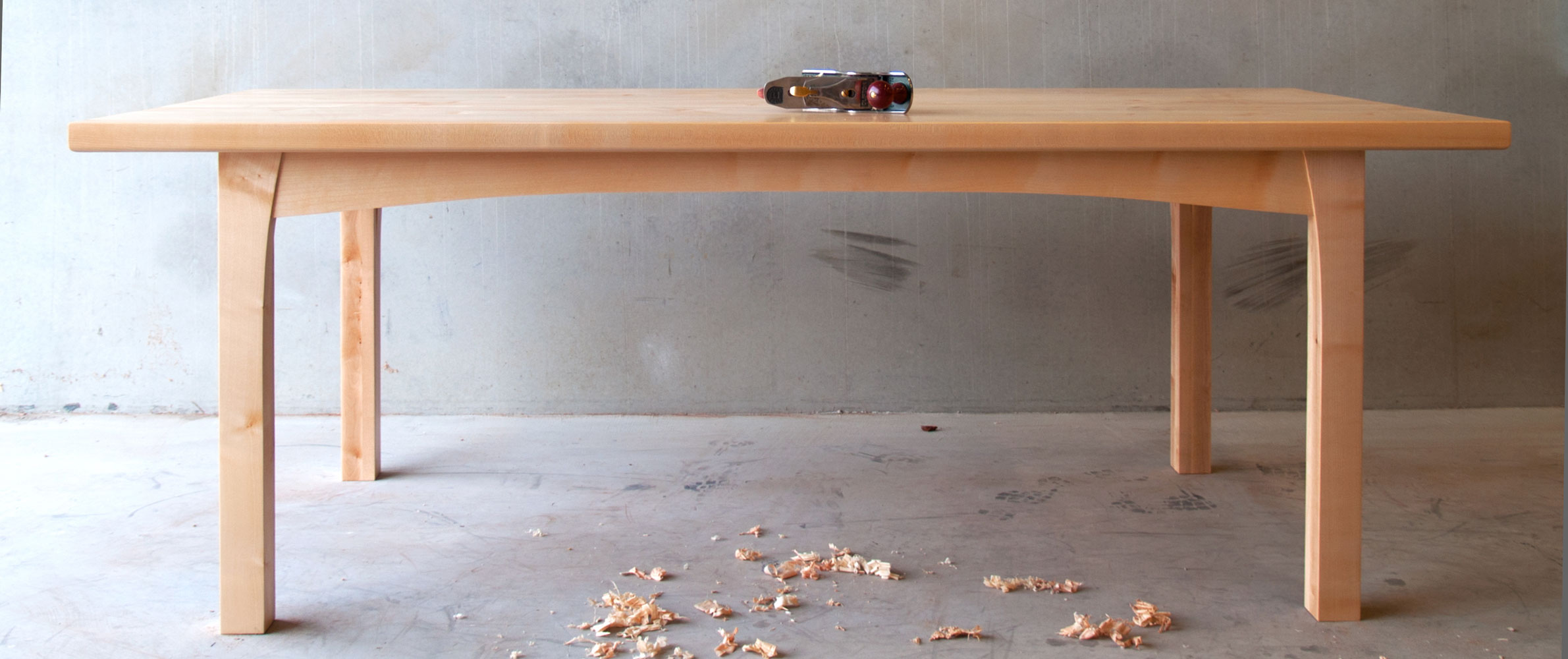 Massief houten tafels en kasten op maat - iepenhouten tafel ...