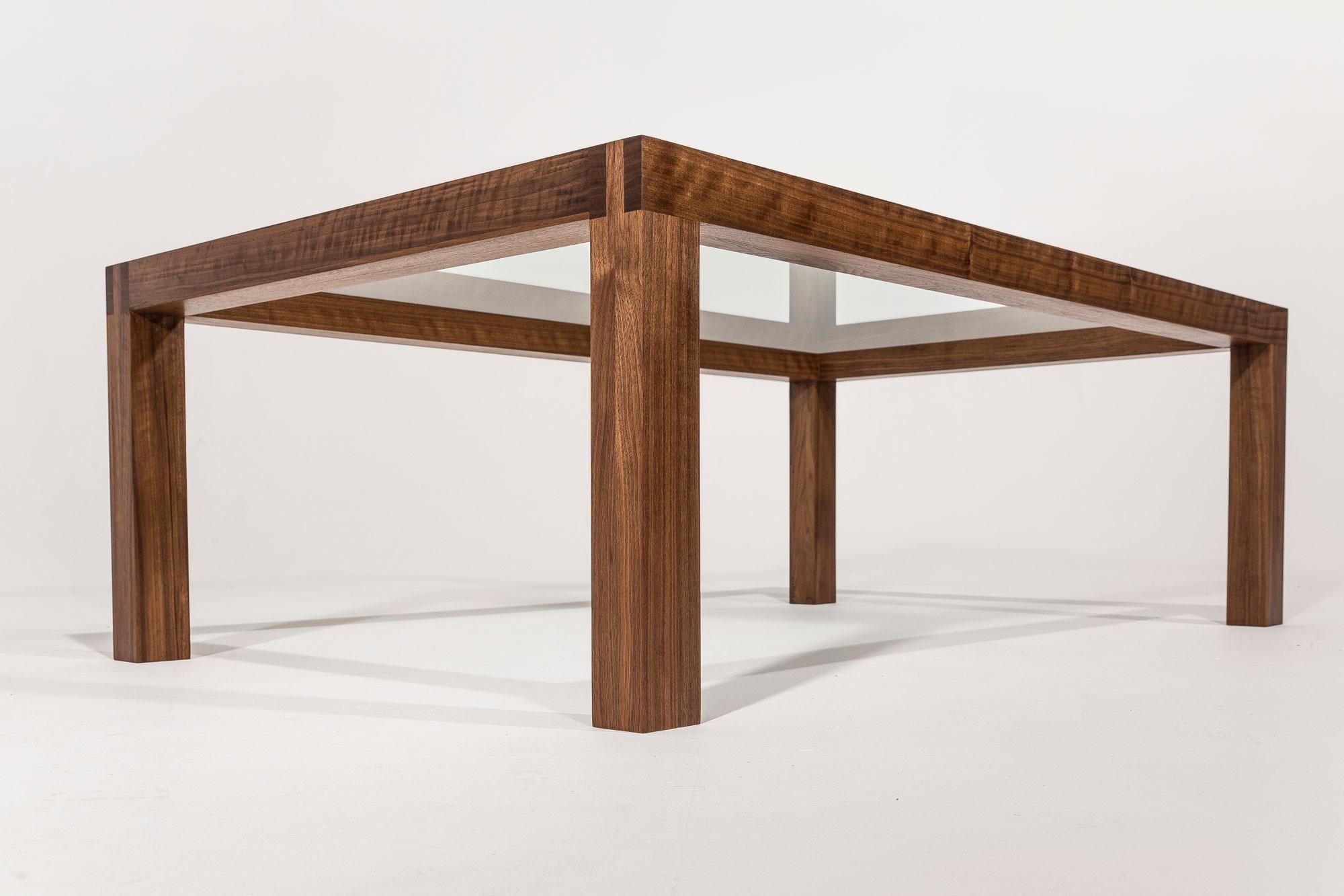 Notenhout-salontafel