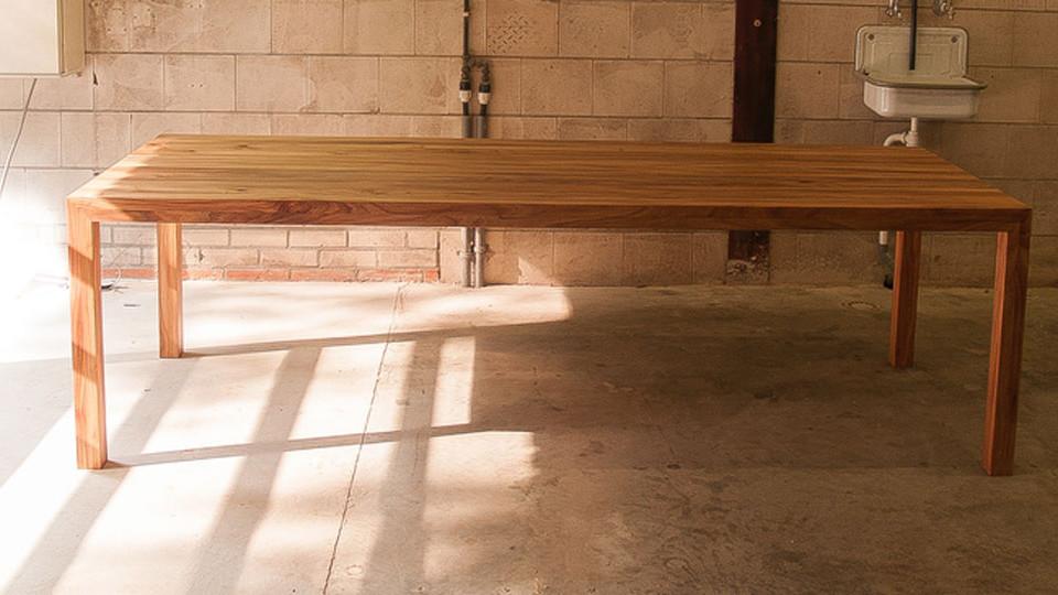 Tafel-massief-iepenhout