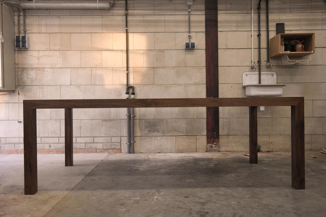 Notenhouten tafel op maat meubelmaker casper rutges for Tafel op maat