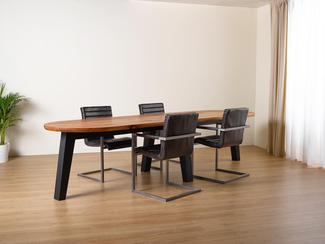 Iepen tafel met zwart eiken onderstel exact op maat gemaat for Tafel op maat