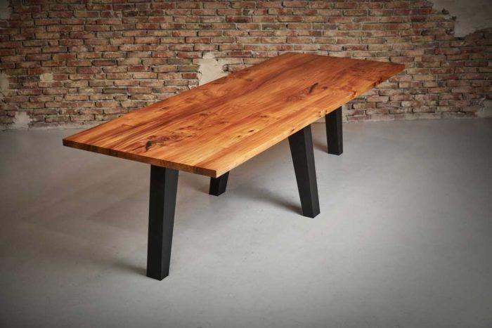 Ruime tafel iepenhout