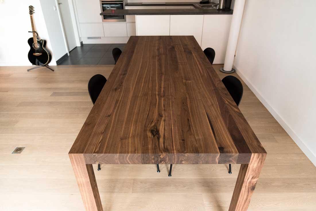 Notenhouten tafel op maat exact op maat gemaakt donker for Tafel op maat