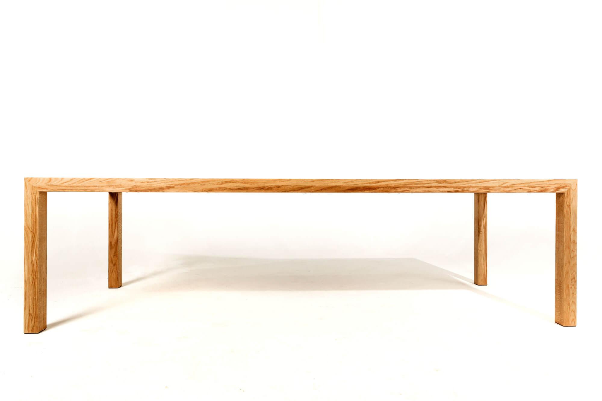 Moderne-eiken-tafel