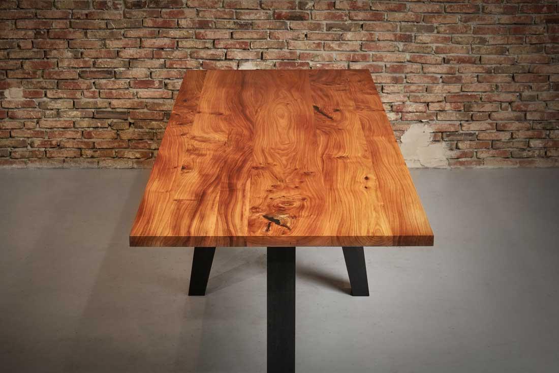 Tafels van massief hout