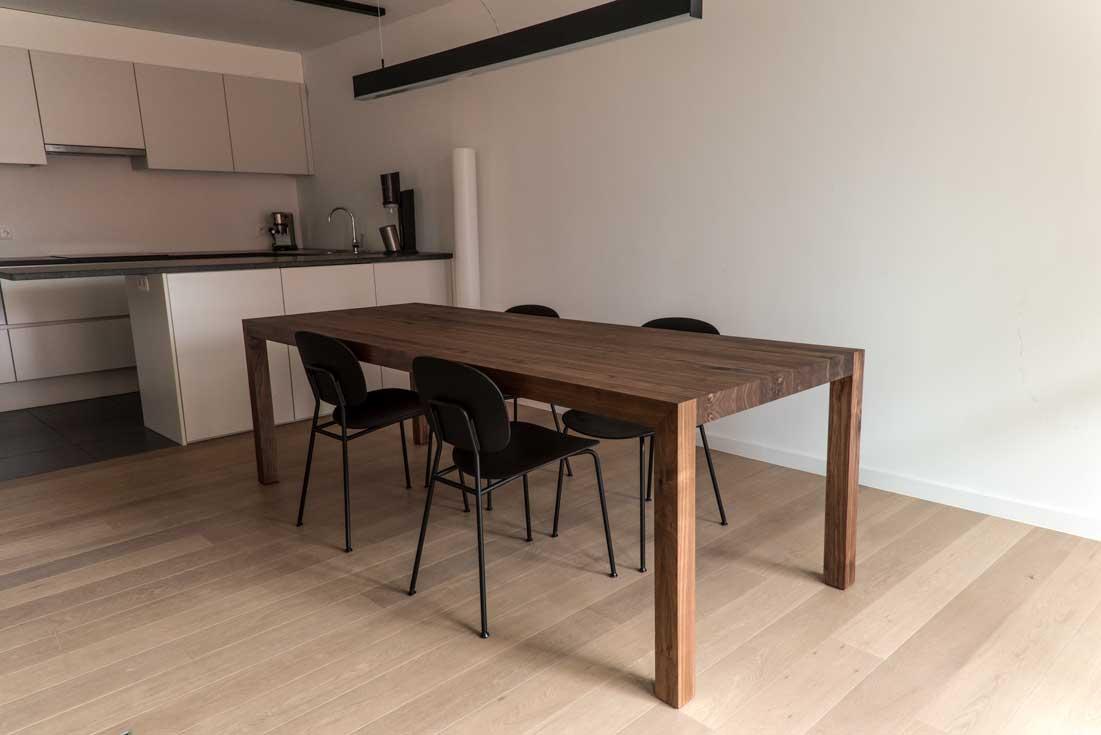 Notenhouten tafel op maat meubelmaker casper rutges op maat