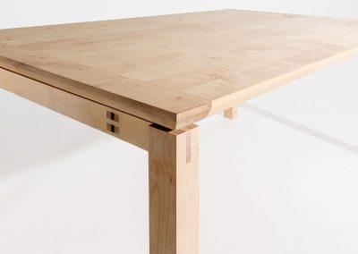 Massief houten tafel (esdoorn) met zwevend blad